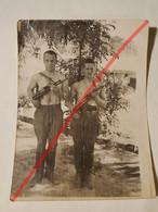 Photo Vintage. Original. Érotique. Hommes Gays Musclés Semi-nus. Gay. URSS. Lettonie - Unclassified