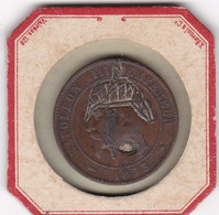 SATERITE SUR NAPOLEON III EMPEREUR DIX CENTIMES 1853 BB / CASQUE ET TROU DE BALLE DANS LE COU - D. 10 Centimes
