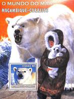 NB - [37068]SUP//**/Mnh-Mozambique 2002 - O Mundo Do Mar - Animaux, Ours Blanc, Bébé Ours, Esquimau - Bears