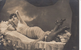 RP: Woman On Couch , 00-10s - Fotografie