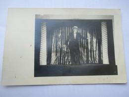 Carte Photo THEATRE - Prisonniers Déguisé En Maurice CHEVALIER Spectacle Au STALAG XVIII A WOLFSBERG Autriche - War 1939-45
