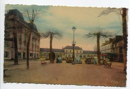 03 MONTLUCON Automobiles  Place Gare Des Voyageurs 1930  D25 2018 - Montlucon