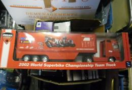 CAMION SEMI REMORQUE 1:32  NEW RAY 2002 World Superbike Championship Team Truck DUCATI CORSE - Scale 1:32