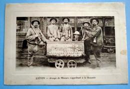 Carte Postale Ancienne - LIEVIN - Groupe De Mineurs S'apprêtant à La Descente - Mijnen