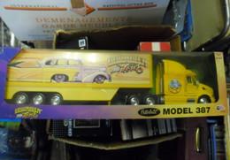 CAMION SEMI REMORQUE 1:32  PETERBILT Model 387 LOWRIDER TOUR 2001 - Scale 1:32