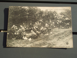 Cpa La Vie Au Camp - La Soupe Des Hommes. 1906 - Manoeuvres