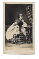 FEMME A IDENTIFIER - REINE? PRINCESSE? ROYAUME UNI? - CDV PHOTO - Oud (voor 1900)