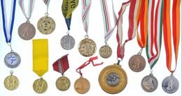 14db-os Vegyes Modern Sportérem Tétel, Többsége Szalagon T:2 - Sin Clasificación