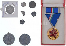 """7db-os Vegyes érme- és Kitüntetéstétel, Közte 1951. """"Közbiztonsági Érem"""" Arany Fokozata A Rendőrség Tagjai Részére, Nem  - Sin Clasificación"""
