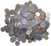 ~690g Vegyes, Külföldi és Magyar érmetétel Műanyag Dobozban T:vegyes ~690g Mixed, Foreign And Hungarian Coin Lot In A Pl - Sin Clasificación
