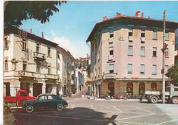 "PONTE DI LEGNO - PIAZZA MUNICIPIO AUTO D'EPOCA CARS VOITURES CAMION - INSEGNA PUBBLICITA' ""MOTTA"" - VIAGGIATA 1963 - Other Cities"