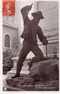 CPA, Montceau-les-Mines, Le Monument Chabot, Mineur En Plein Travail, élevé Le 2 Aout 1891 - Montceau Les Mines