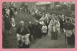 14 - ARROMANCHES Les BAINS - Carte Photo - Procession - Fête Religieuse - Evèque - Ecclésiastiques - Arromanches