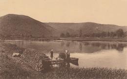 Chooz , La Meuse à  Chooz ,( Charleville Mézières , Givet ) Bateau Barque Pour Le Transport De Bois , Bucheron - Givet