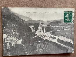 CP LOURDES L'ESPLANADE ET LES SANCTUAIRES - Lourdes