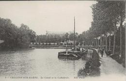 CHALONS SUR MARNE - Chevaux Tirant La Péniche - Halage - Le Canal Et La Cathédrale - Châlons-sur-Marne