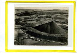 Bethune. Vue Aerienne. Un Terril. Edit Cim N° 29115A   Datée 1956 -  Mines Mineurs - Bethune