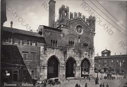 CARTOLINA  PIANCENZA EMILIA ROMAGNA,PALAZZO GOTICO (LATO DESTRA) STORIA, CULTURA, RELIGIONE VIAGGIATA 1954 - Piacenza