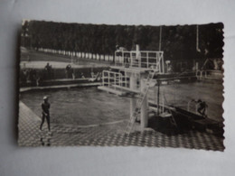 Dep 95 Sncf College D'athletes D' Ermont ' Le Grand Bassin De La Piscine Et Le Stade ' Neuve ' Photo Dubruille - Ermont