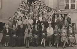 Carte Photo Réunion De Femmes Et De Jeunes Filles 1931 - Fotos