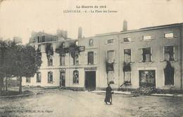 CPA 54 Meurthe Et Moselle Luneville La Place Des Carmes La Guerre De 1914 - Luneville