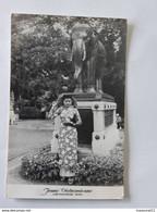Jeune Vietnamienne - Vietnamese Girl Envoyée De Saigon Vers Le Pecq... Lot140 - 28062020 . - Viêt-Nam