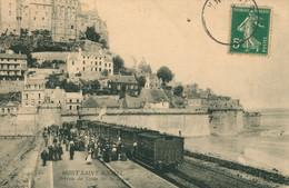 CPA Le Mont Saint Michel - Arrivée Du Train Sur La Digue - Animée - Circulée 1908 - Le Mont Saint Michel
