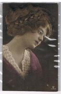 CPA Avec Ajout : Femme Avec Cheveux Véritables + Tresse - Donne