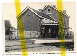 BELGIQUE FLANDRE ICHTEGHEM GARE CHEMIN DE FER OCCUPATION ALLEMANDE PHOTO ALLEMANDE MILITARIA 1939/1945 - Ichtegem