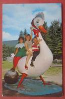 Figure Of Mother Goose Santa Village  Jefferson New Hampshire          Ref 4610 - Ohne Zuordnung