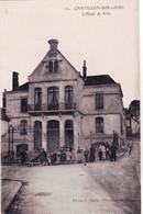 45 - Loiret -  CHATILLON Sur LOIRE  - L Hotel De Ville - Animée - Chatillon Sur Loire