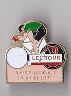 PIN'S THEME SPORTS / CYCLISME TOUR DE FRANCE  10 JUILLET 1991  LA HERIE LAVIEVILLE DANS LE DEPT AISNE - Ciclismo