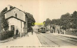 37 Joué Les Tours, La Gare, Train à L'arrivée, Chef De Gare ... - Sonstige Gemeinden