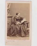 Photo Sur Carton Portrait De Femme (photographe Disderi Paris) - Personas Anónimos