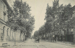 "CPA FRANCE 30 ""Nimes, Le Boulevard Victor Hugo"". - Nîmes"