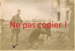 PHOTO FRANCAISE - LE PHOTOGRAPHE AU CHATEAU DE AUBILLY PRES DE VRIGNY - REIMS MARNE 1915 - GUERRE 1914 1918 - 1914-18