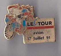 PIN'S THEME SPORTS / CYCLISME TOUR DE FRANCE  17 JUILLET 1991  ETAPE  AVION DANS LE PAS DE CALAIS   RARE - Ciclismo