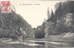 """68. VALLEE DU DOUBS . UN DEFILE . AFFR SUISSE """" AU LOCLE """" + TAMPON """" FRANKATURSIEHE RUCKSEITE """" Du 13 VIII 1909. 2 SCAN - Other Municipalities"""