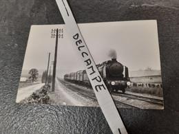 SNCF : Photo Originale Anonyme 9 X 14 Cm : Locomotive à Vapeur 141 C 78 à SAINT CYR GRANDE CEINTURE (78) En 03-1967 - Treinen