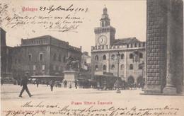 BOLOGNA-PIAZZA VITTORIO EMANUELE-TRAM E ANIMAZIONE-CARTOLINA VIAGGIATA IL 29-9-1903 - Bologna
