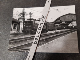 SNCF : Photo Originale G LAFORGERIE 10 X 14,5 Cm : Locomotive BB 8240 à DAX (40) à L'été 1958 - Treinen