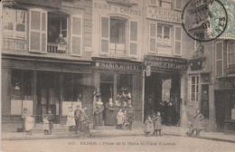 08 - SEDAN - Place De La Halle Et Place D' Armes - Sedan