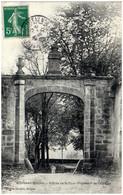 23 BOUSSAC-BOURG - Entrée De La Cour D'honneur Du Chateau - Boussac