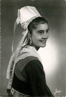 29* BRETAGNE  Costume Plougastel  CPSM (10x15cm)                 MA69-0401 - Costumes