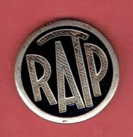 INSIGNE RATP 1939 1945 POUR DEVANT DE CASQUETTE REGIE AUTONOME DES TRANSPORTS PARISIENS BUS METRO - Autres
