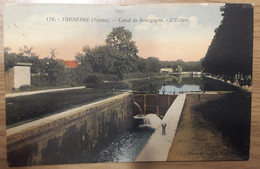 Carte Postale Tonnerre Canal De Bourgogne L'écluse - Tonnerre