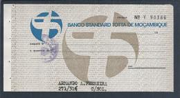Raro Cheque Do Banco Standard Totta De Moçambique 1960. Sobrecarga De Selo De Cheque. Grupo CUF. Check From Banco Totta - Cheques & Traverler's Cheques