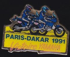 69408- Pin's -Rallye Moto Paris-Dakar.Yamaha. - Motorfietsen