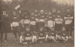 CPA    EQUIPE DE RUGBY A IDENTIFIER ECUSSON SUR LE MAILLOT  PLUS DE LION ????3 PHOTOS - Rugby