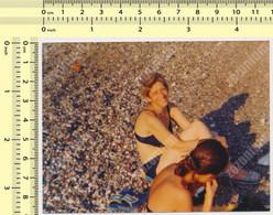 REAL PHOTO, REAL PHOTO, BIKINI WOMEN ON BEACH, FEMME EN MILLIOT DE BAIN SUR PLAGE, ORIGINAL PHOTO - Unclassified